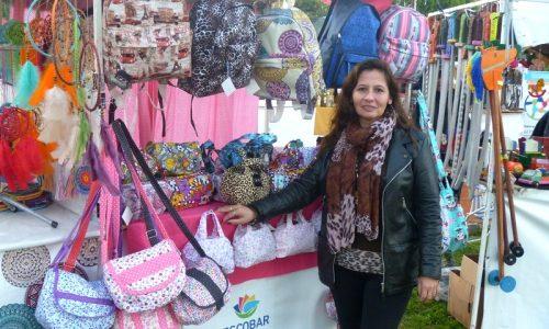 Emprendedores locales – confección de bolsos, carteras, mochilas y otros