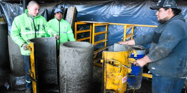 Con su propia fábrica de caños premoldeados, la Municipalidad de Escobar mejora el sistema de desagües pluviales primarios, reduce costos y genera empleo