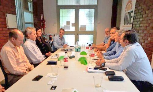 En la sede de la UIDE empresarios manifestaron su preocupación por la situación de la industria local