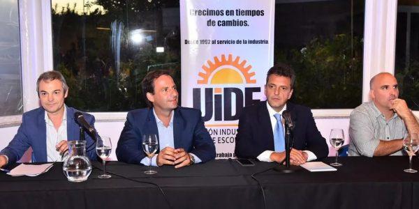 Sergio Massa, Santiago Fraschina y Ariel Sujarchuk expusieron en un encuentro organizado en defensa de las Pymes y la Industria