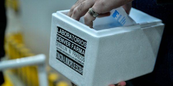 la Municipalidad de Escobar firmó un convenio con Denver Farma S.A. para cubrir el faltante de insulina