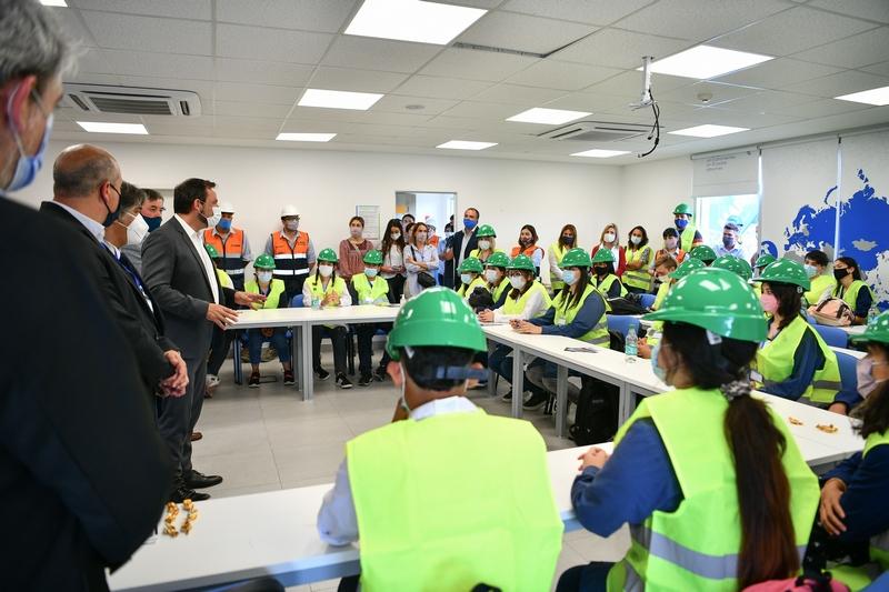 La empresa Mapei capacitará a jóvenes de las escuelas técnicas del distrito